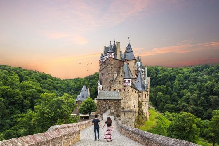 fairytrail-castle